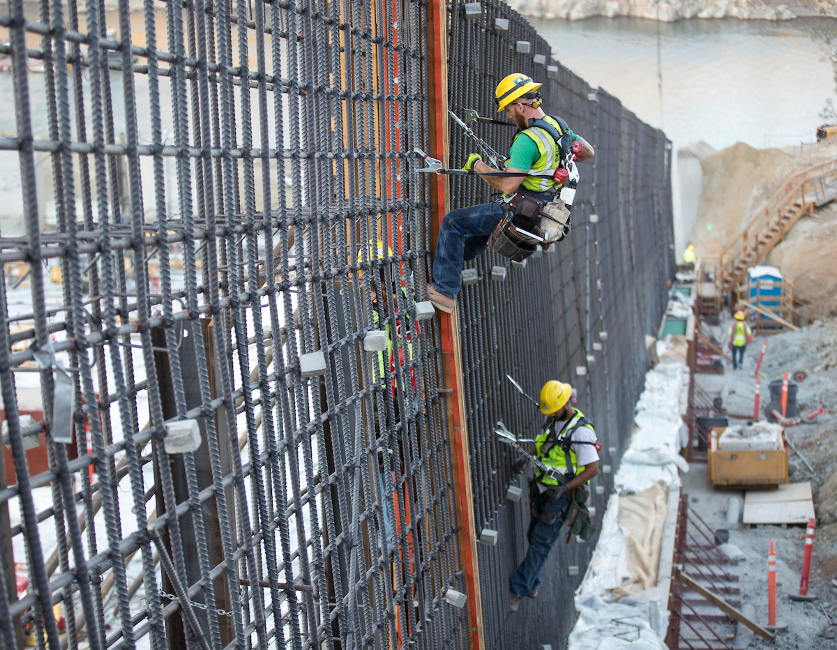Photos — construction continues on Oroville Dam spillway